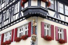 Una statua di Madonna fotografia stock