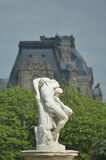 Una statua di marmo classica a Parigi Immagini Stock