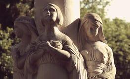 Una statua di tre donne come simbolo di oltre, presente e futuro Fotografia Stock Libera da Diritti
