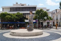 Una statua nel centro urbano di Lagos - Algarve, Portogallo Immagine Stock Libera da Diritti