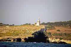 Una statua sulla linea di costa di Malta fotografia stock libera da diritti