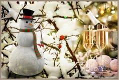 Una storia di Natale: Pupazzo di neve con i regali rappresentazione 3d Fotografia Stock Libera da Diritti