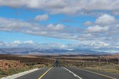 Una strada diritta lunga nel Sudafrica Fotografia Stock Libera da Diritti