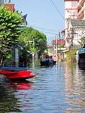 Una strada inondata Immagine Stock