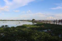 Una tarde en el puente de U Bein fotografía de archivo