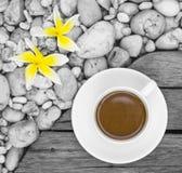 Una taza de café blanca Imágenes de archivo libres de regalías