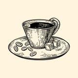 Una taza de café en un platillo Cubos de los granos del azúcar y de café Ejemplo del vector en estilo del bosquejo Imágenes de archivo libres de regalías