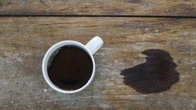 Una taza de café y de tensión Imagenes de archivo
