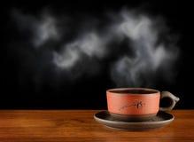 Una taza de té caliente Imagenes de archivo