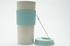 Una taza en el fondo blanco Imagen de archivo libre de regalías