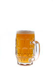 Una tazza di birra di vetro Fotografia Stock