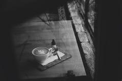 Una tazza di caffè immagini stock libere da diritti