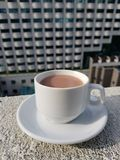 Una tazza di cioccolato caldo Immagine Stock Libera da Diritti
