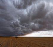 Una tempesta enorme e terribile fotografia stock libera da diritti