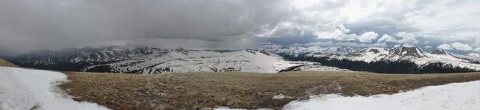 Una tempesta in Rocky Mountains Immagini Stock