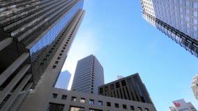 Una toma panorámica tiró alrededor de los tops de edificio en San Francisco céntrico metrajes