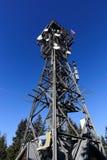 Una torre dell'allerta sulla montagna nera, (Ceco: Baccello Snezkou del PEC, di Krkonose), la parte settentrionale della repubbli Fotografia Stock Libera da Diritti