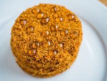 una torta de miel fresca Foto de archivo libre de regalías