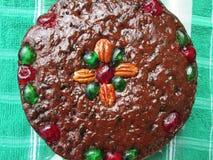 Una torta de mirada deliciosa de la fruta de la Navidad Fotografía de archivo