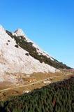 Una trayectoria a la montaña de Amboto foto de archivo libre de regalías