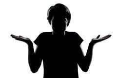 Una vacilación ignorante de la silueta del adolescente sh Imagen de archivo libre de regalías