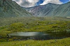 Una valle di sette laghi vicino a Belukha altai La Russia Fotografia Stock Libera da Diritti