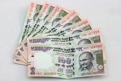 Una valuta indiana di 100 note della rupia Fotografia Stock Libera da Diritti