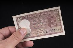 Una vecchia banconota indiana immagine stock
