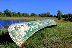 Una vecchia canoa Fotografia Stock Libera da Diritti