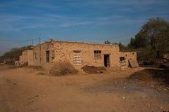 Una vecchia casa rurale fotografie stock libere da diritti