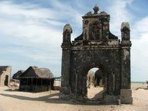 Una vecchia chiesa in città fantasma Fotografie Stock Libere da Diritti