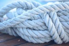 Una vecchia corda classica di attracco Fotografia Stock Libera da Diritti