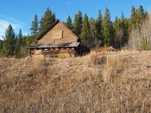 Una vecchia costruzione della miniera vicino a Breckenridge Colorado fotografie stock