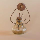 Una vecchia lampada da lavorare nei campi Immagini Stock Libere da Diritti