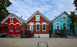 Una vecindad colorida Fotos de archivo libres de regalías