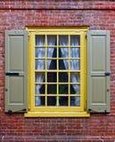 Una ventana en pared de ladrillo Foto de archivo libre de regalías