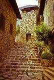 Una via cobbled in La Vella dell'Andorra Immagine Stock