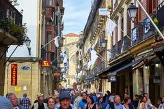 una via di 31 de Agosto in San Sebastian Old Town Gipuzkoa Immagini Stock