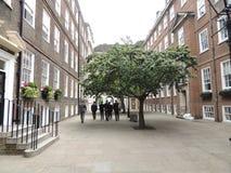 Una via nella città di Londra fotografie stock