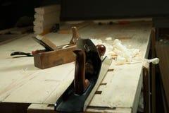 Una vida inmóvil en una tienda de la carpintería de dos aviones Imágenes de archivo libres de regalías