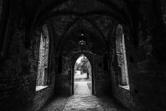 Una vieja, unrestored parte de la abadía de Chorin Foto de archivo