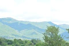 Una visión desde Triund, gama Kangra de Dhauladhar Foto de archivo libre de regalías