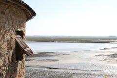 Una visión desde Mont St Michel sobre el estuario Normandía, Francia Foto de archivo libre de regalías