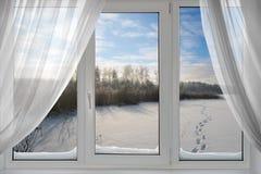 Una visión hermosa desde la ventana Foto de archivo libre de regalías