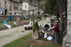 Una visita alla bella città medievale di Umbria Region, durante le feste di Natale, con la scena di natività delle statue a grand Fotografia Stock Libera da Diritti