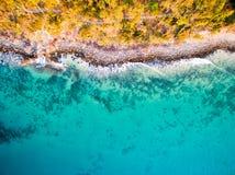 Una vista aérea de la playa fotos de archivo
