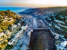 Una vista aérea de Looe en Cornualles, Reino Unido imagenes de archivo