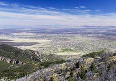 Una vista aérea de Sierra Vista, Arizona, de Carr Canyon Foto de archivo