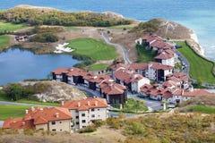 Una vista aérea del centro turístico del golf Imágenes de archivo libres de regalías