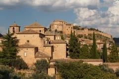 Una vista al villaggio di Alquezar del pictiresque Fotografia Stock Libera da Diritti